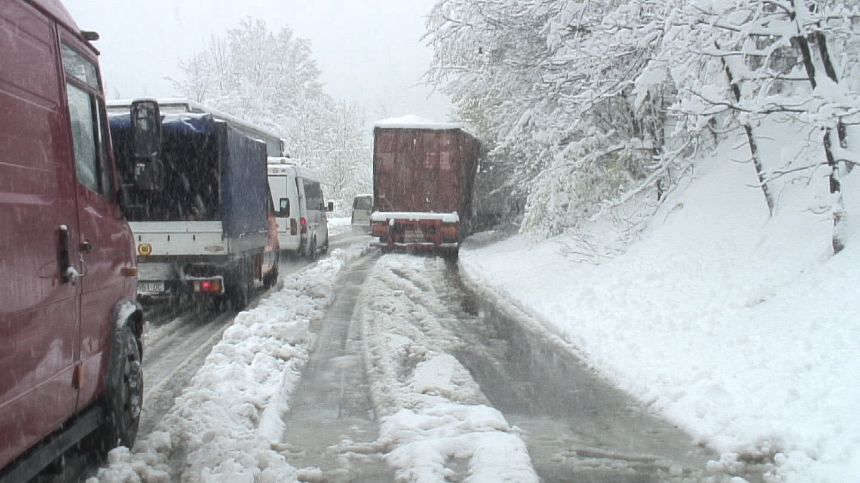 Забрана за движење на камиони и кај Ѓавато
