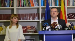 (Видео) Вработените во јавниот сектор мора да бидат внесени во регистар за да земаат плата