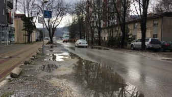 """Општина Аеродром: Нема да се сечат дрвјата на """"Коста Новаковиќ"""", но ќе се реконструира улицата"""
