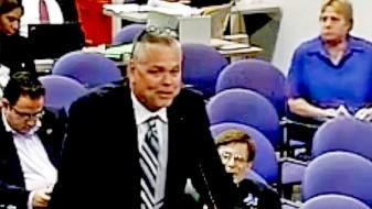 Објавен идентитетот на полицаецот кој не преземал ништо за време на масакрот во Флорида