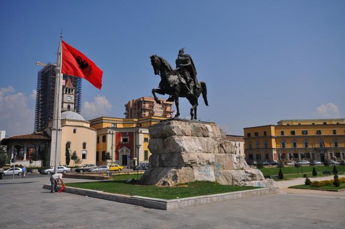 ЕУ ќе ѝ дава поддршка на Албанија за побезбедни граници