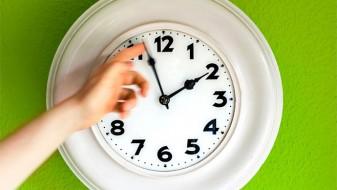 ЕК ќе ја преиспитува одлуката за летното сметање на времето