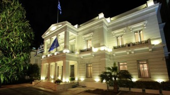 Грција ја обвини Турција дека систематски го крши меѓународното право