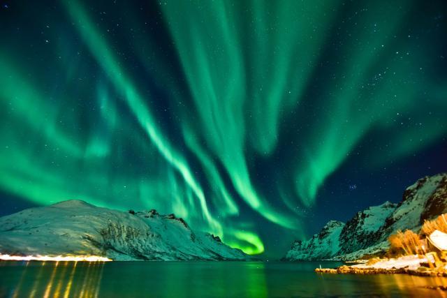 (Видео) Во Финска постои место каде што поларната светлина може да ја гледате легнати в кревет
