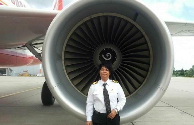 Жена пилот во последен момент спречила судар меѓу два патнички авиона во Индија