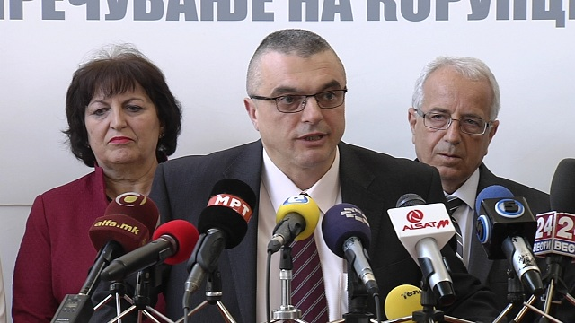 По скандалот  прва оставка во Антикорупциската комисија   се повлекува Горан Миленков