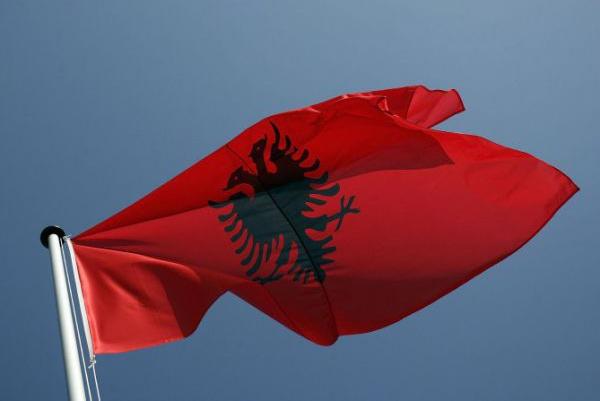 Албанската опозиција бара оставка на министерот Џафај