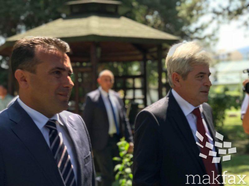 Заев и Ахмети ги почнуваат разговорите за консензуален претседателски кандидат