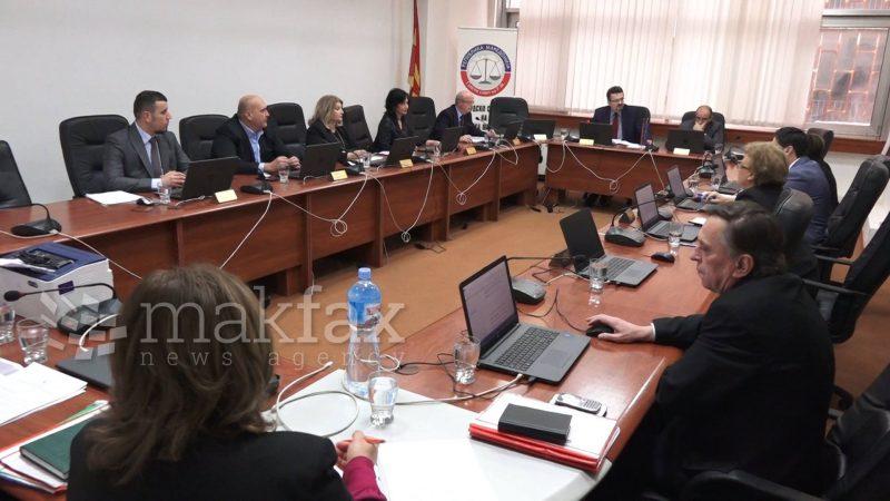 Северна Македонија или Македонија? Караџовски и Адеми расправаa како да ја пишува државата на извештајот