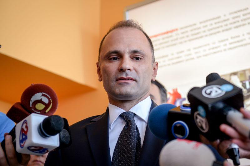 Филипче апелира граѓаните да ги откажат патувањата во Италија