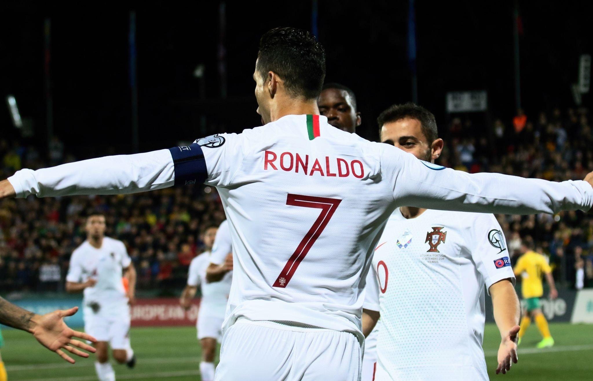 Роналдо со неверојатниот 54. хет-трик во кариерата, Англија и Косово во меч со осум гола (видео)