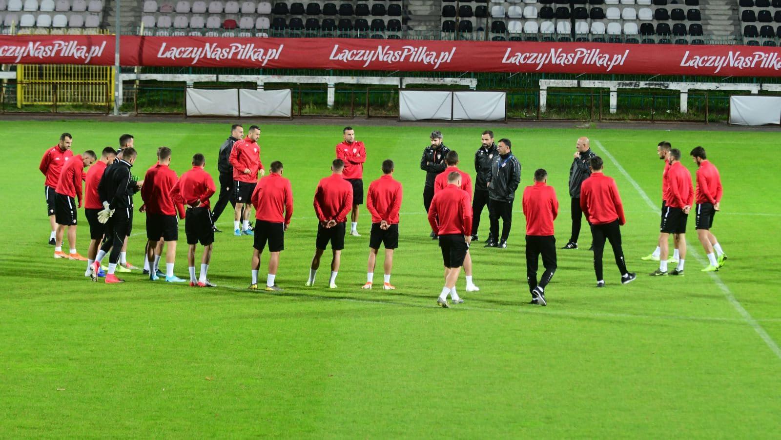 Македонските фудбалери тренираа во Полска, Адеми е неизвесен за утре