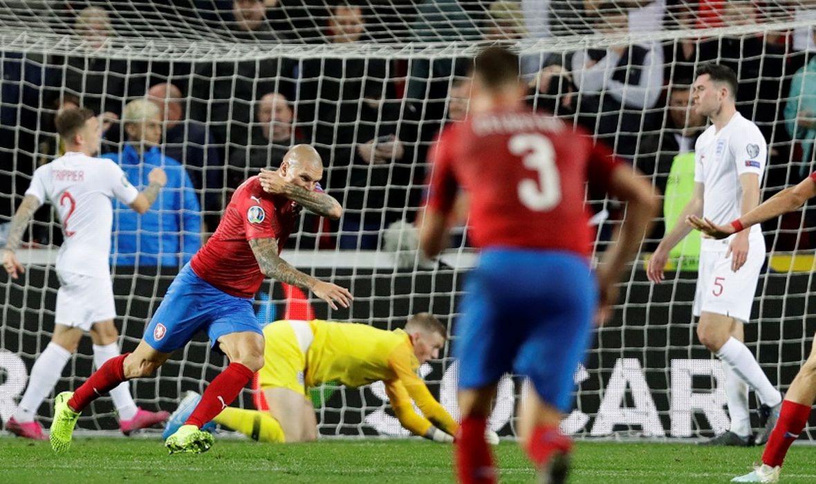"""Чешка ја """"спакува"""" Англија во 85 минута, лоб-ремек дело на Роналдо (видео)"""