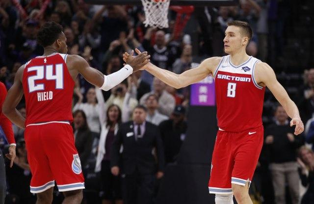 НБА: Богдан ја реши Оклахома, Харден броеше до 55, Вокер до 44 (Видео)