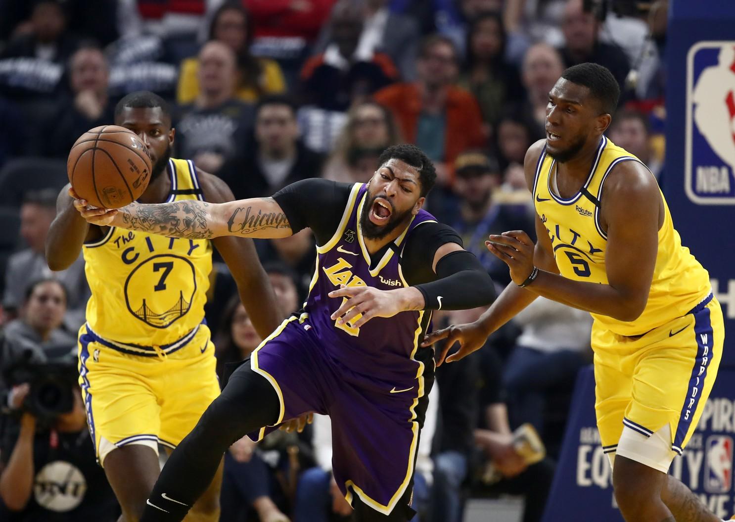 НБА: Дебакл на Голден стејт, Оклахома се вратија од -19 (Видео)