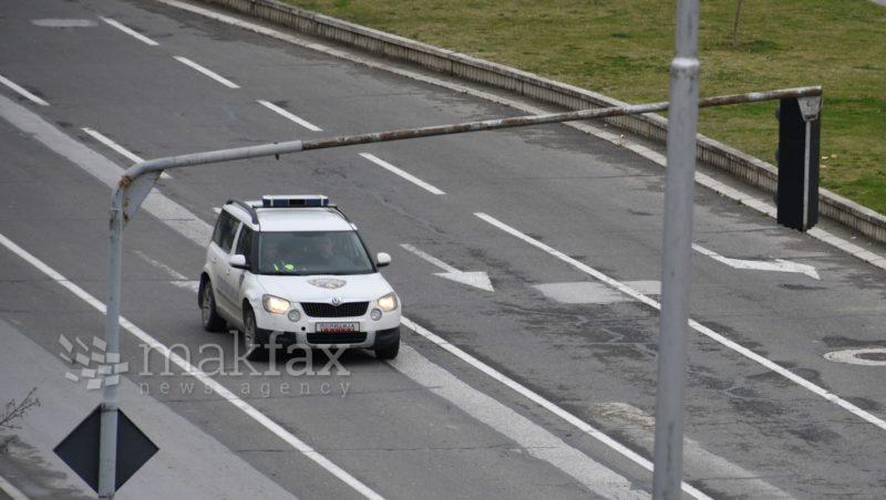 Стапи на сила полицискиот час за време на викендите, улиците се празни