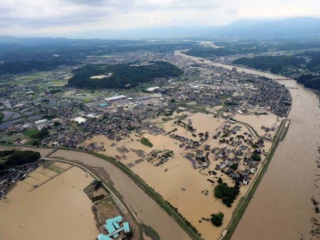 Во поплавите во Јапонија настрадаа 16 лица, а 20 се тешко повредени