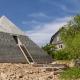 (Видео) Брачен пар од Русија во својот дом изградил пирамида