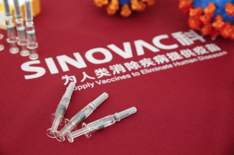 """Филипче: Ефикасноста на вакцината на """"Синовак"""" е поголема од 50 проценти"""