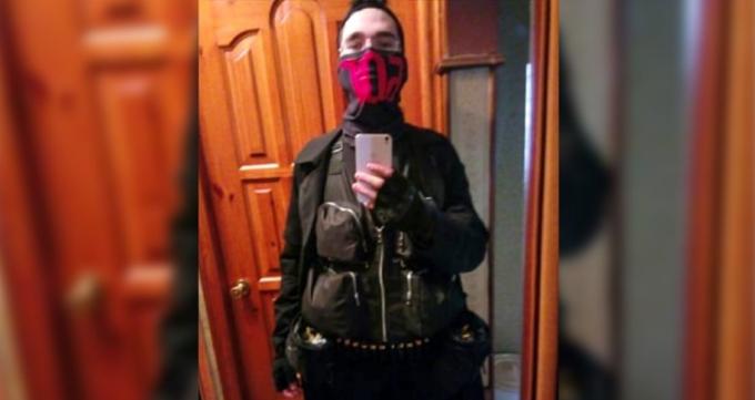 """Еден од напаѓачите го најавил масакрот во руското училиште носејќи маска со натпис """"бог"""""""